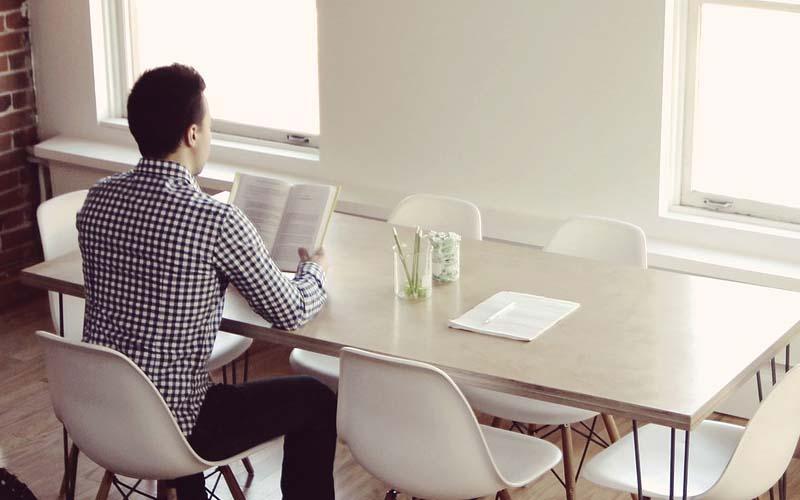 Czyste biuro to zdrowe biuro. Jak porządek wpływa na zdrowie pracowników?